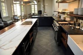 Love those long herringbone stone floors!